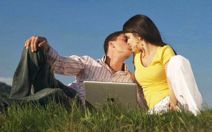 kiss day Wallpapers and Images couple