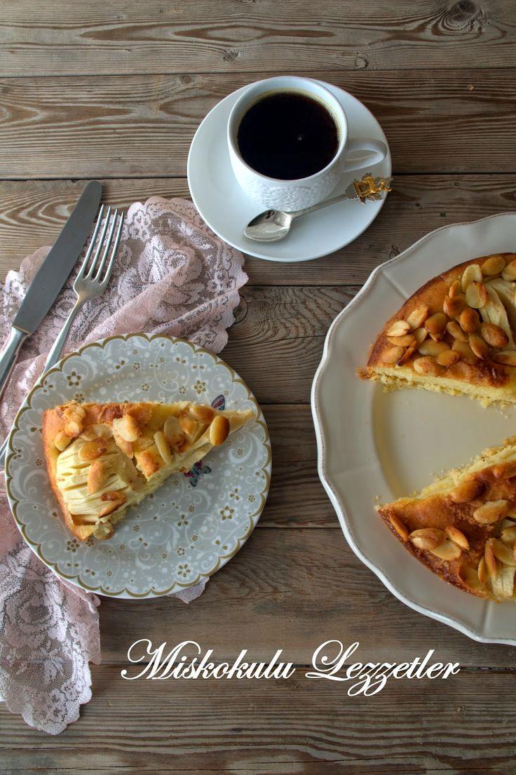 Elmanın kekte yarattığı hafif nemi, bademin çıtırtısını seviyorsanız bu keki mutlaka denemelisiniz. Instagramda takip ettiğim @moms_swe...