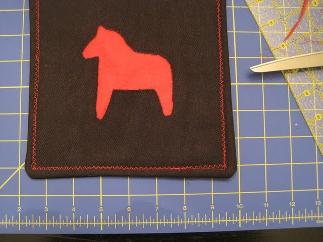 dala horse hot pad tutorial -- by the pickled herring