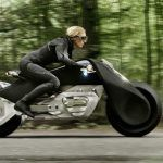 BMW Motorrad Vision Next 100 : une moto ultra sécurisée à piloter sans casque