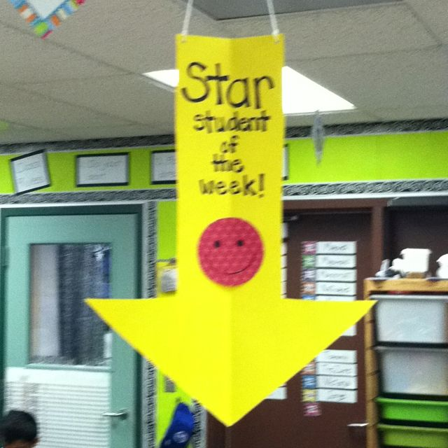 What a great idea!  Make a birthday arrow for a student's birthday, too.