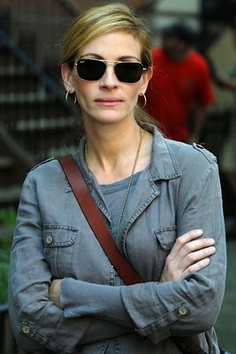 "Julia Roberts - casual for ""Eat Pray Love"""
