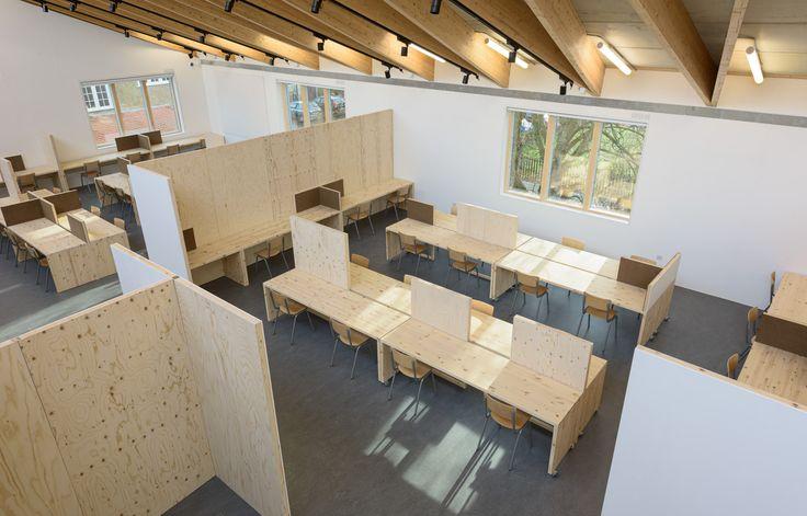 Aldworth James & Bond   Screens and desks for Wimbledon College of Art