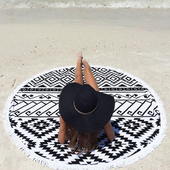 Serviette de plage Lulu ronde avec glands, Roundie, serviette cercle, tour Beach Blanket, jet tour plage, serviette de plage de Mandala