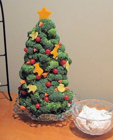 6 Festive and Creative Vegetable Trays
