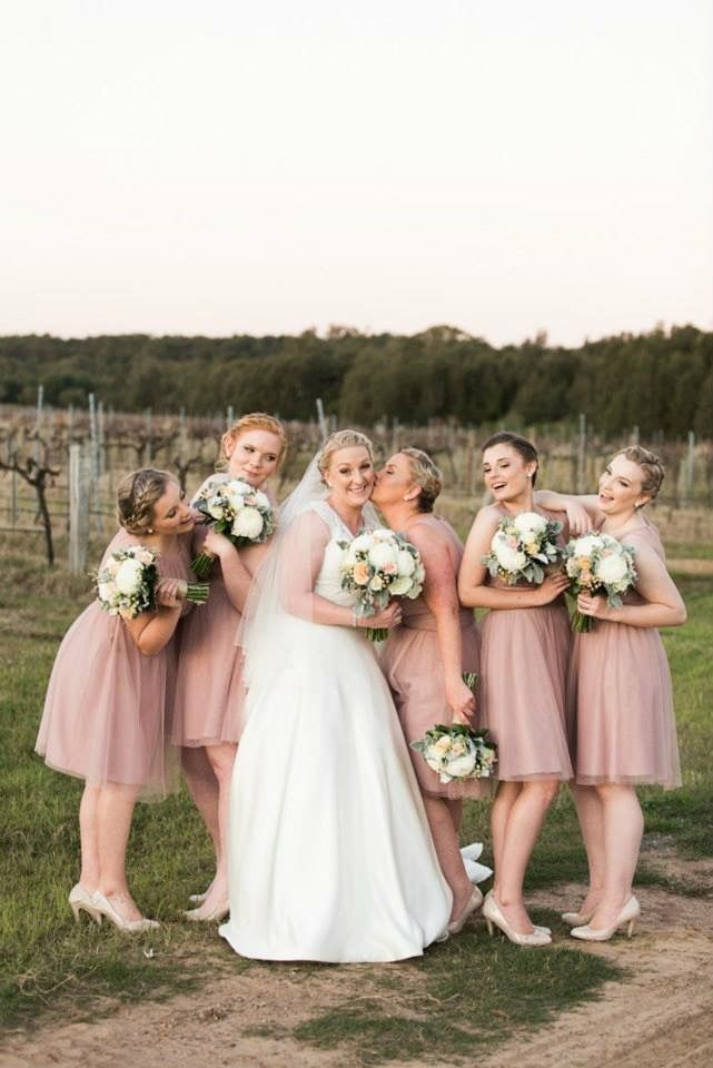 Sweet Rustic Bouquets by Blooms + Twine Floral Studio // Photography by Sophie Granger