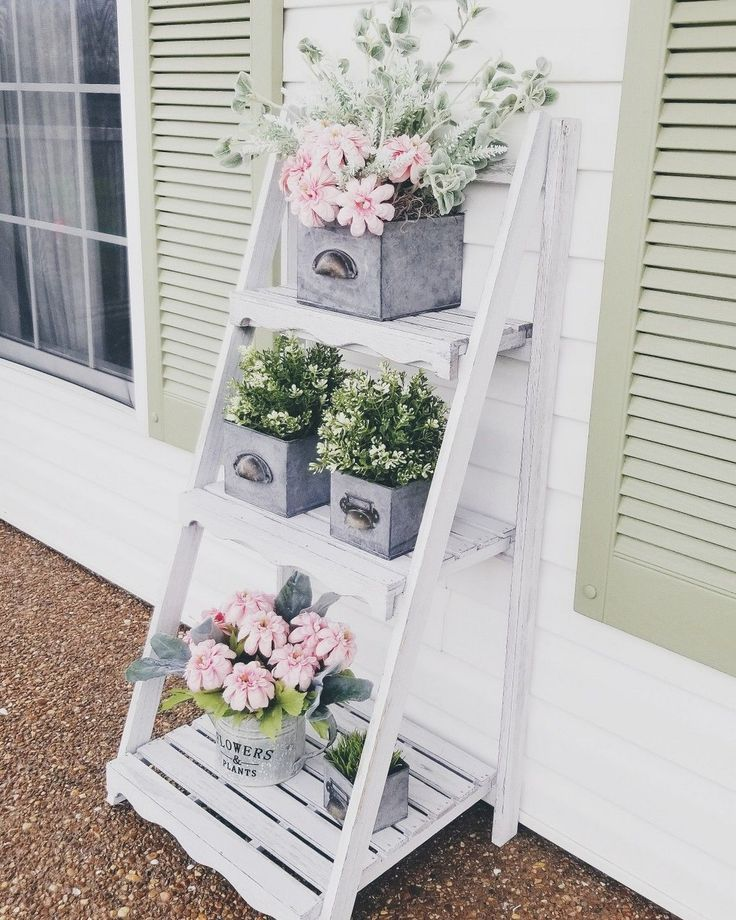38 Tips for Bringing Spring to Your Front Porch