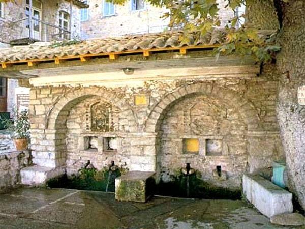 www.epohes.gr