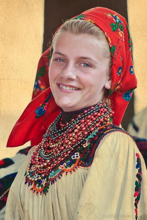 romanian girl, Maramures traditional costume. photographer Catalin Fudulu
