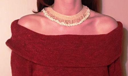 Beyaz pıtırlı kolye, Sergüzeşt Shop'ta