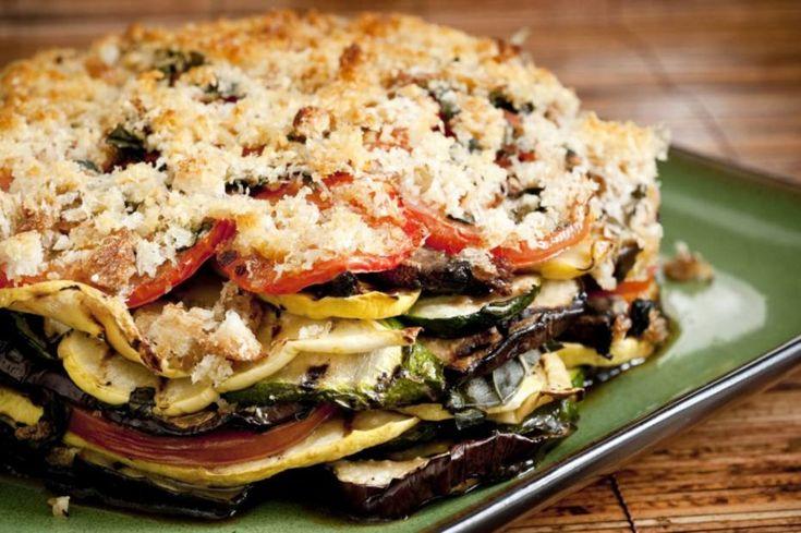 Torta vegetal em camadas