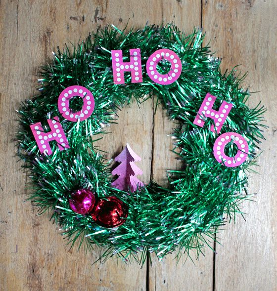 Make your own Christmas tinsel wreath decoration - Easy video tutorial