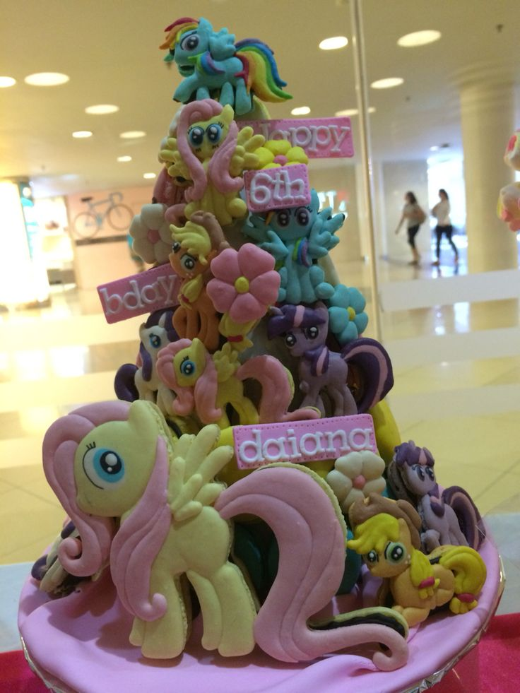 Macaroons My Little Pony #macaroons #cake #birthday #party #desserttable #kids #girl