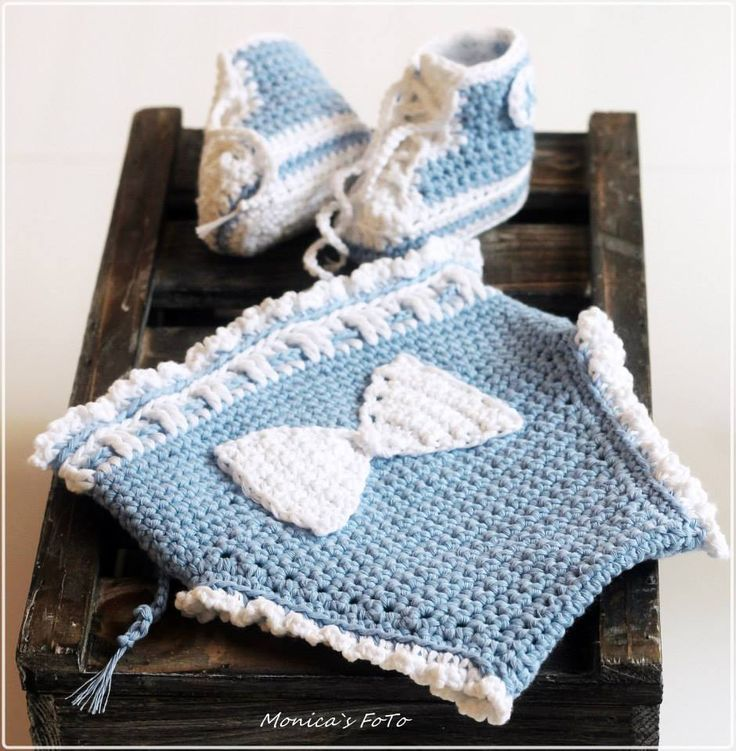 Lovely baby props from. Pattern at www.dottiedee.no Design:Monica Norset