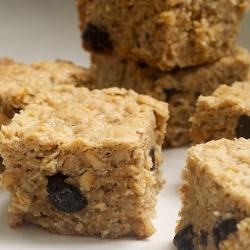 Blueberry-Hazelnut Oatmeal Bars | #ProjectLunchBox Pinners | Pinterest