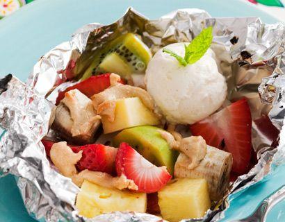 Grillad frukt med mandelsmör