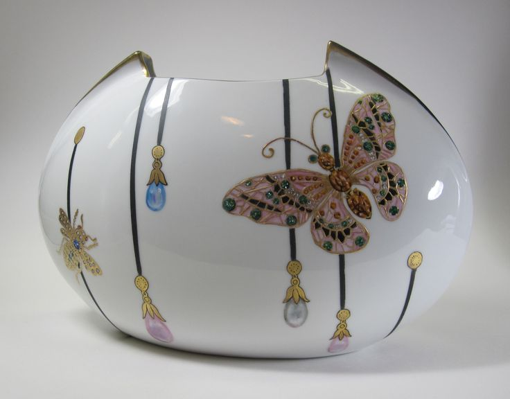 2015 Sol Brien's Jeweled Insects class this would be pretty in black and white with jewels.