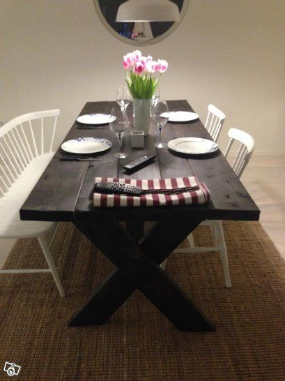 Handgjort New England matbord och sänggavel