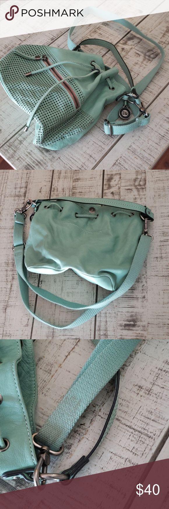 Boho Teal Turquoise lederen tas van The Sak Dit is een gebruikte lederen tas in …