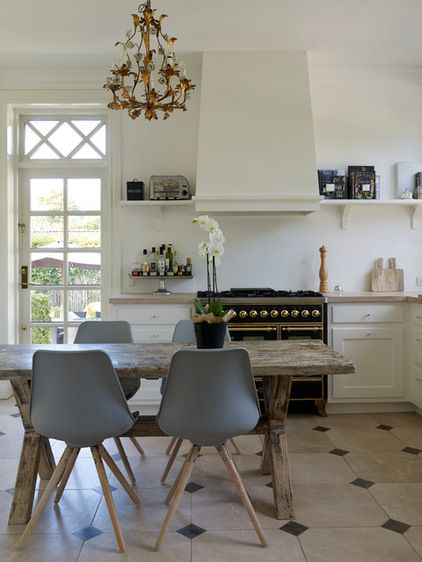 Traditional Kitchen by SwanfieldLiving