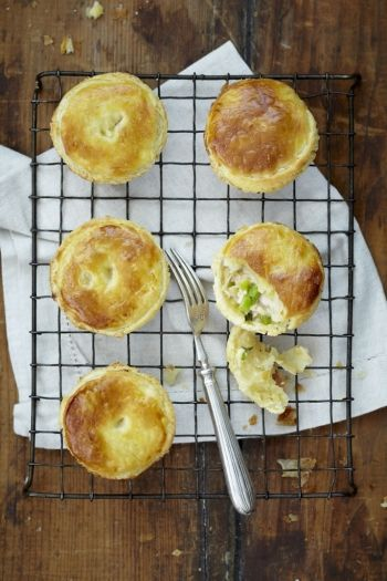 Mini Chicken & Leek Pies on www.nomu.co.za