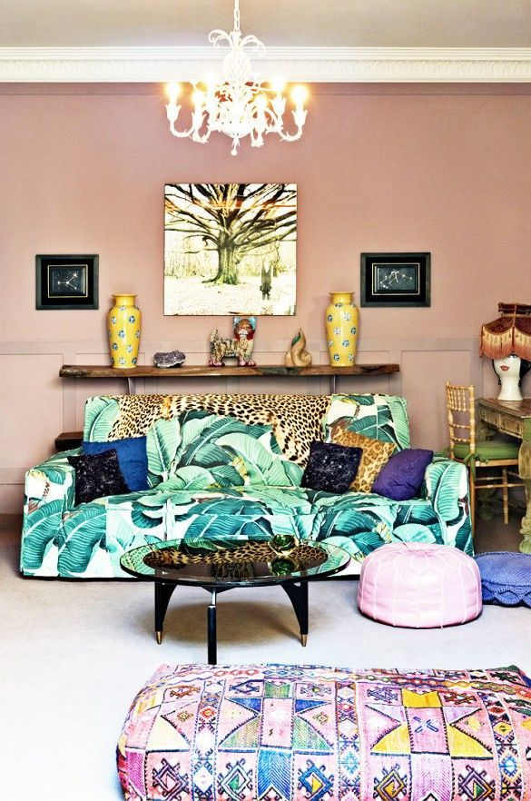 patternsnap The palm-printed sofa adds a sense of play-fullness to this delicate lounge.