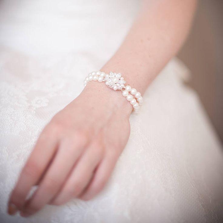 Vanessa Vintage Style Pearl Bracelet