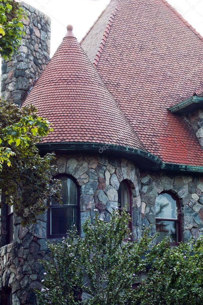 Картинки по запросу круглая башня дом