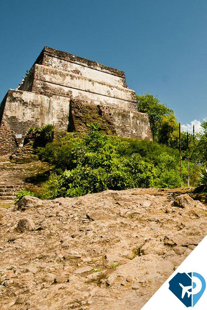 Tepoztlán, Morelos, es famoso por el místico santuario que se aloja en la parte más alta del cerro del Tepozteco, además, cuenta con un poblado pintoresco y cercano a la CDMX y Cuernavaca, tiene un clima agradable. Ven y disfruta de las maravillas que tiene este Pueblo Mágico.