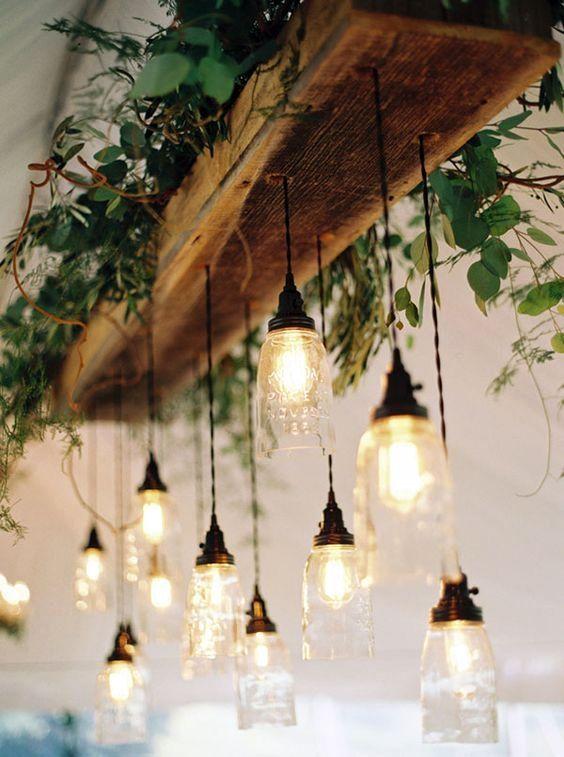 Lampe mit Pflanzen geschmückt   – lighting