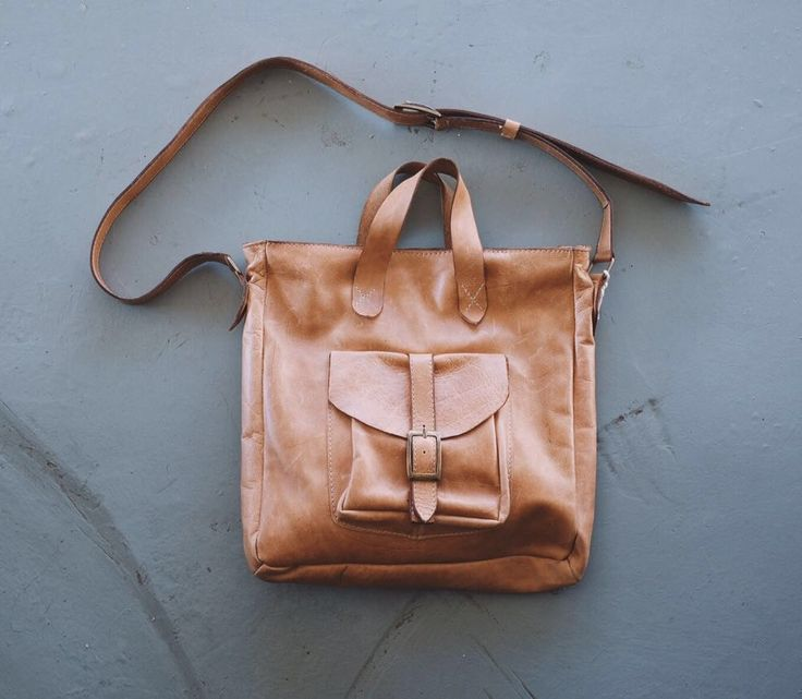 NavyHeart uses good quality and beautiful leather hides from cow and kudu, locally sourced in South Africa, to make these ladies satchels and tote bags!