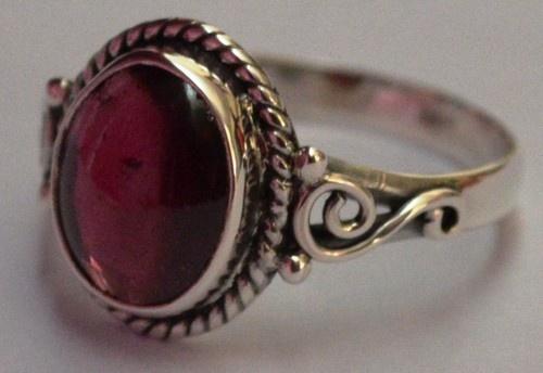 925 Sterling Silver Ethnic Ring 11x9mm Red Garnet: Scarlet Gaze