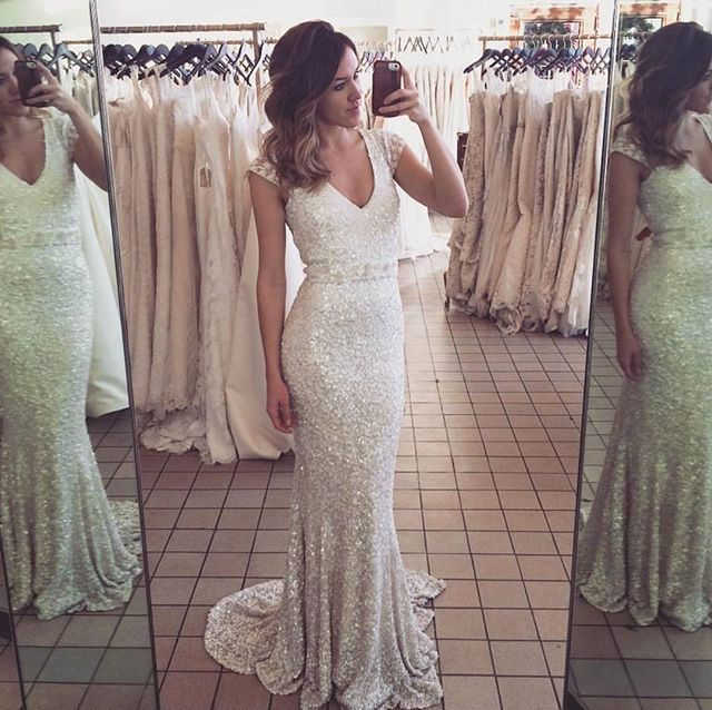 How stunning does @sjerstinhope look in our 'Caitlyn' gown at the trunk show at @chebellaboutiqueMinneapolis brides-to-be now is your chance to see our collection || | Feb 5th - Feb 13 || Contact @chebellaboutique on 612.486.5720 Reposted Via @karenwillisholmes_newyork
