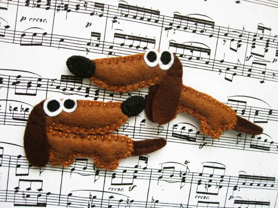 Bonny the dachshund - felt brooch or magnet, animal brooch or magnet, felt dog