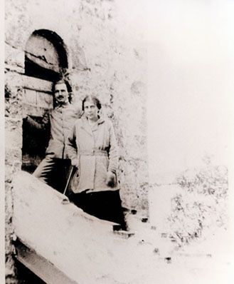 Nikos Kazantzakis and Elli Lambridi in Switzerland, 1918