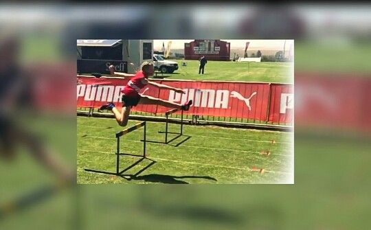 #hurdles #athletics  #athletic selfies #cool selfies #school Follow# Helena Swart for more cool selfies