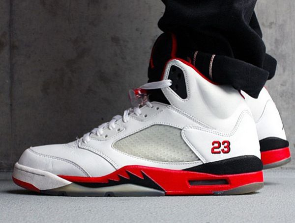air jordan v (5) retro fire red \/black tongue and groove