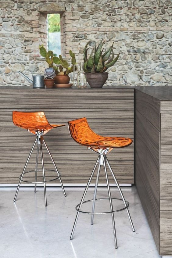 CONNUBIA CALLIGARIS | Ice bar stools. Contemporary and stylish bar stools that come with different finishes and a central frame. #Designicons #ConnubiaCalligaris #barstools #Italianfurniture #Interiordesign