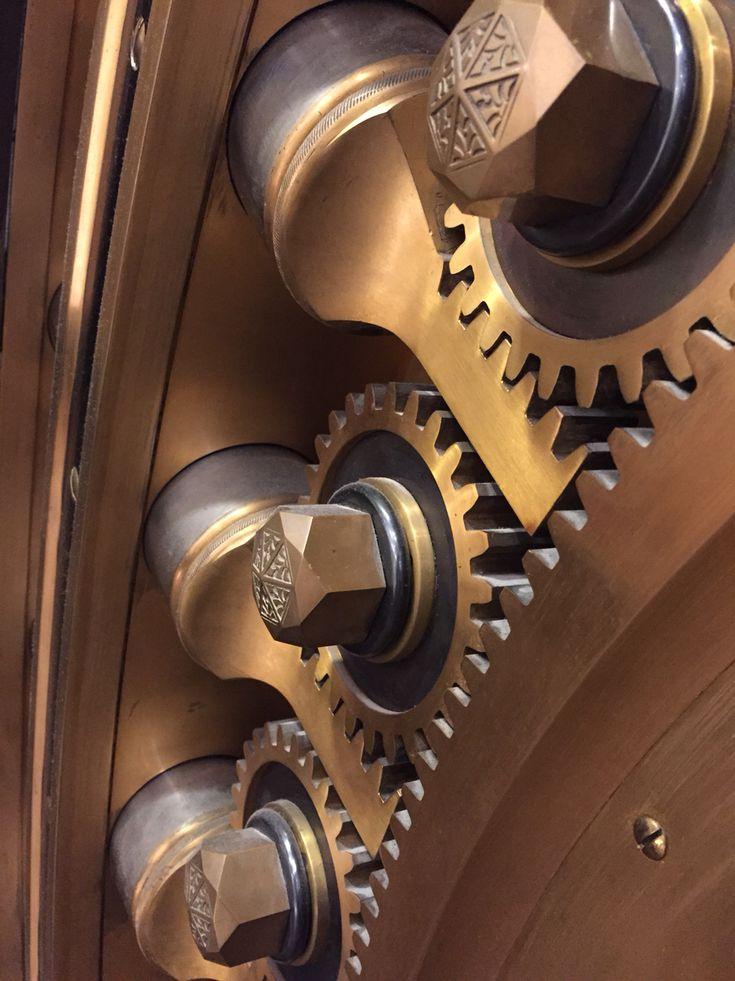 Best 25 safe vault ideas on pinterest gun safe diy for Idea door journey to bethlehem