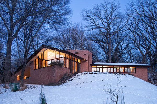 Located on 3.77 acres in Minnesota's Lake Forest neighborhood is a 2,647-square-foot, three-bedroom home that was designed by Wright in the late-1950s.