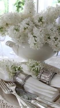 style & vignette <3 décor - bliss of antique silver & while lilacs