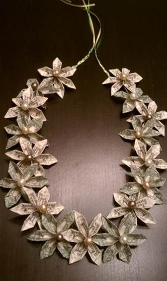 Flower money lei with pearls