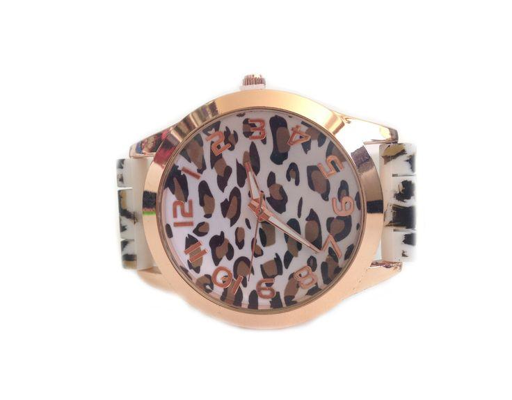 Reloj Animal Print Blanco http://www.tuttematute.cl/reloj-animal-print-blanco