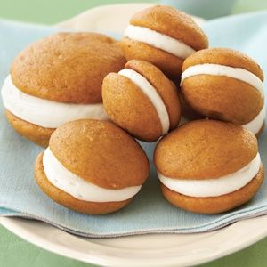 Pumpkin Whoopie Pies with Cream Cheese Filling - I have made these and they are soooo good!