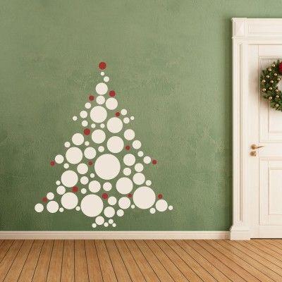"""Albero di Natale con Palline. Una volta passato il Natale, si possono rimuovere facilmente senza rovinare la superficie sottostante! Adesivo murale di alta qualità con pellicola opaca di facile installazione. Lo sticker si può applicare su qualsiasi superficie liscia: muro, vetro, legno e plastica. Si possono scegliere i due colori delle palline! L'adesivo murale """"Albero di Natale con Palline."""" è ideale per decorare la casa in versione natalizia. E' possibile scegliere ..."""