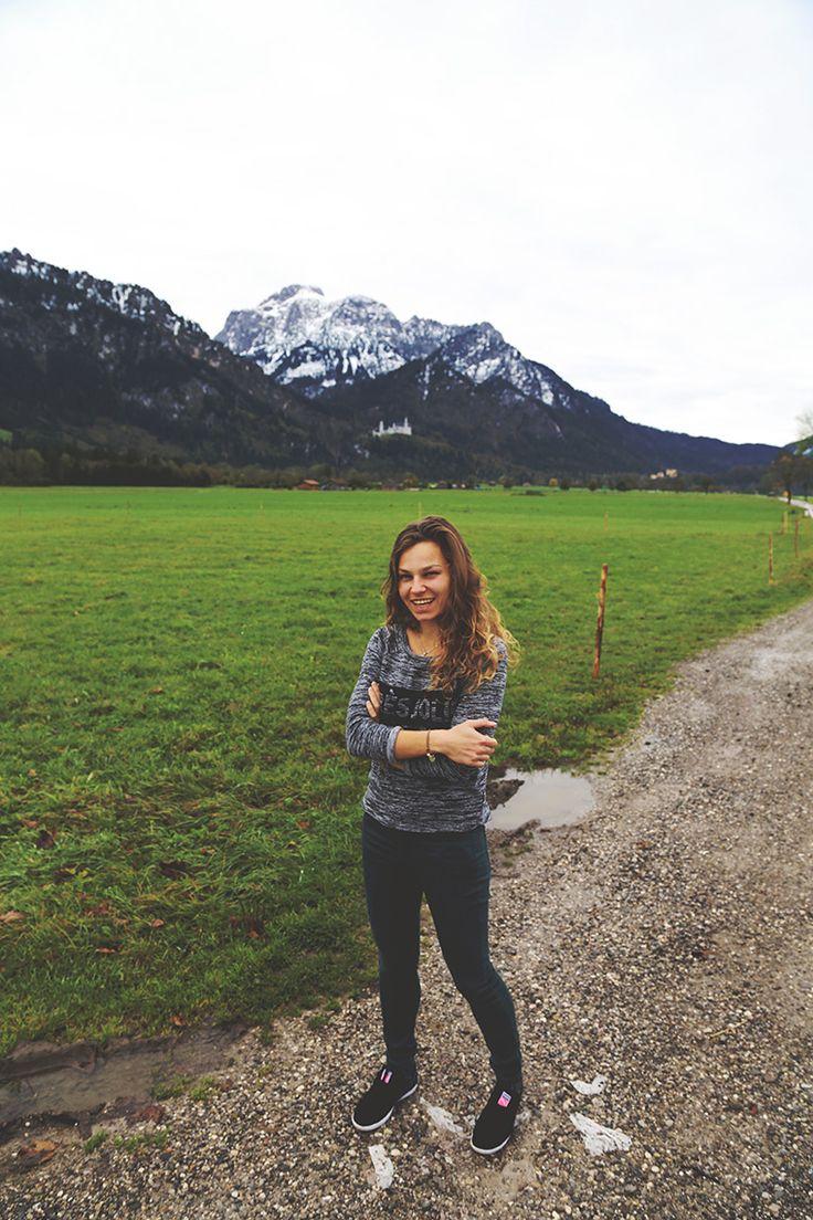 Zamek #Neuschwanstein. Widzicie go? Jest nad moją głową, po lewej stronie... ;) #Bawaria #Niemcy #MiniEurotrip2014 #born2travel #podróże #podróż #Alpy