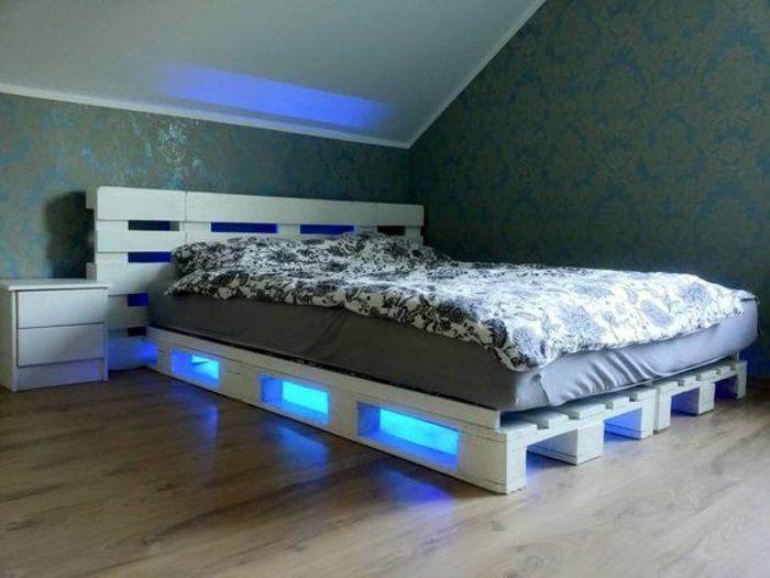 lit en palette à éclairage LED, joli effet, tête de lit palette, design moderne