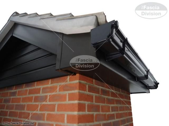 Black Gutters 71 Decoratio Co Gutters Brick Ranch Houses Fascia