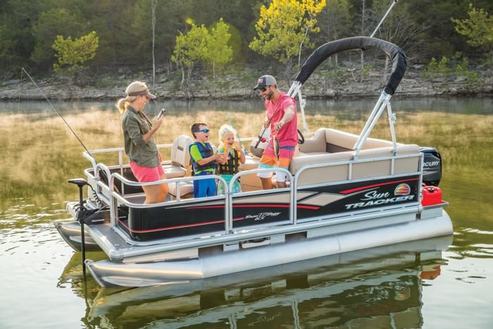 Sun Tracker Pontoon Boats >> The 10 Best Pontoon Boats To Buy In 2019 Fishing Pontoon