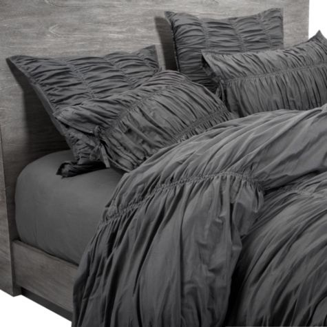 I need to keep this bedding in mind for the master bedroom